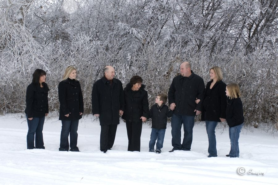 Professional Photo Family Outside in Snow